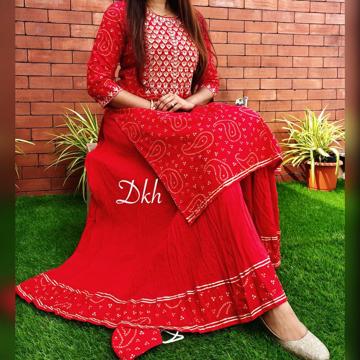 Ethnic Leheriya Kurti With Skirt